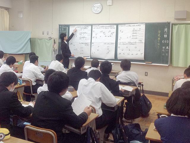 戸田市立笹目中にて出張授業も実施しました。