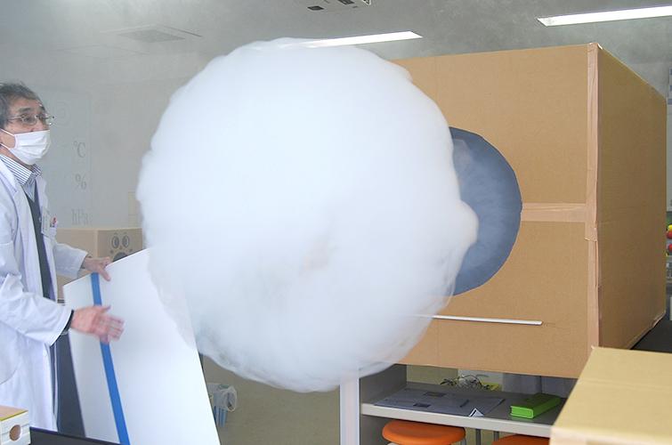 小学生コース(初級) 4月の実験は「エネルギー」~空気砲で的当てゲーム~