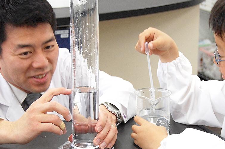 中学受験コース(小3) 4月の実験は「実験器具の使い方」