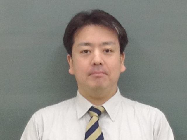 国語・社会担当の吉田です